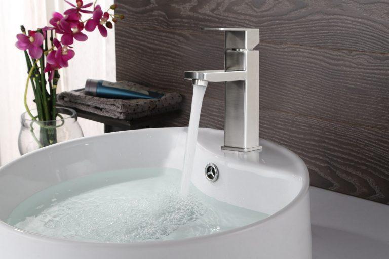 Vòi lavabo nóng lạnh Veurro VR-02