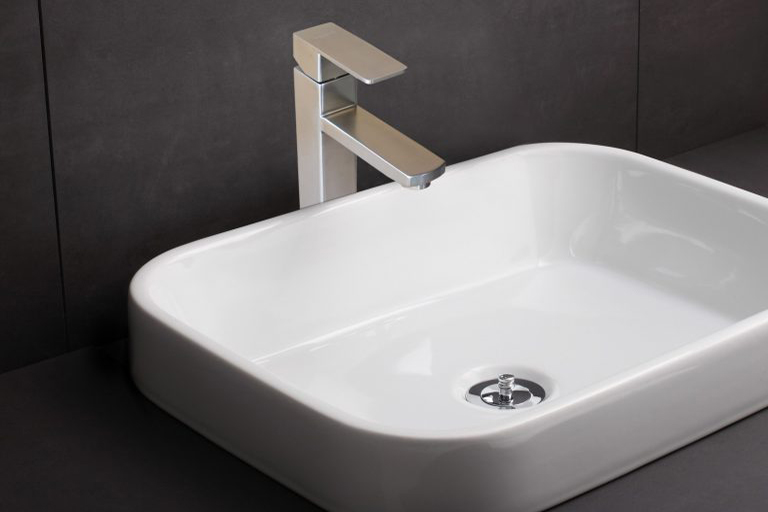 Vòi lavabo nóng lạnh Veurro VR-04