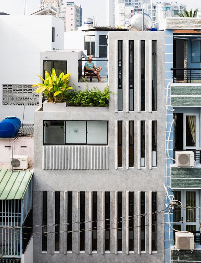 """Những ngôi nhà """"siêu nhỏ"""" giữa Sài Gòn xuất hiện ấn tượng trên báo Mỹ"""