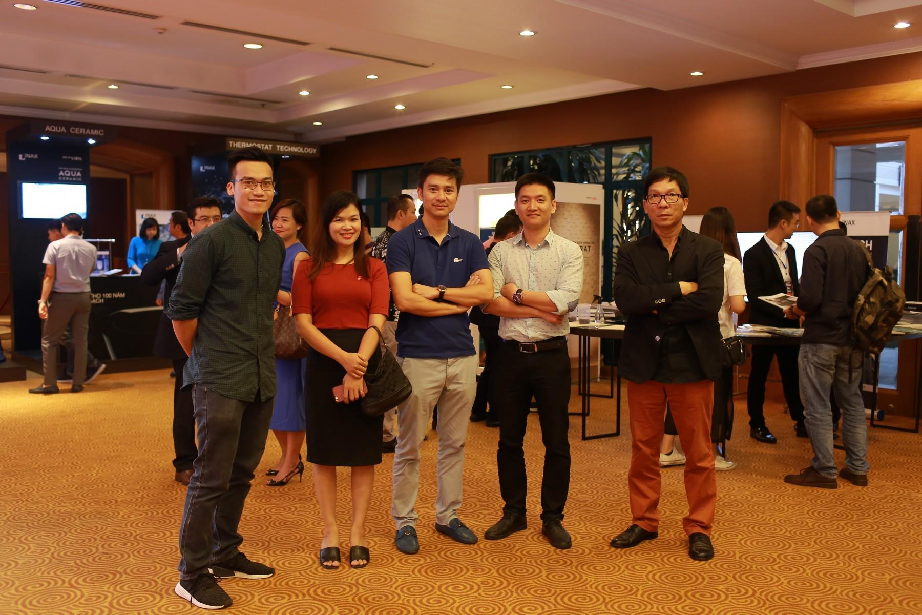 INAX ra mắt sách kỉ yếu ALP 2017 bên cạnh hội thảo Architecture Leader Perspective tại Hà Nội